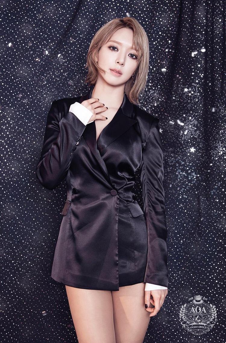 Kim Hee Chul tức giận khi bị lôi vào chuyện hẹn hò của Choa và CEO giàu có