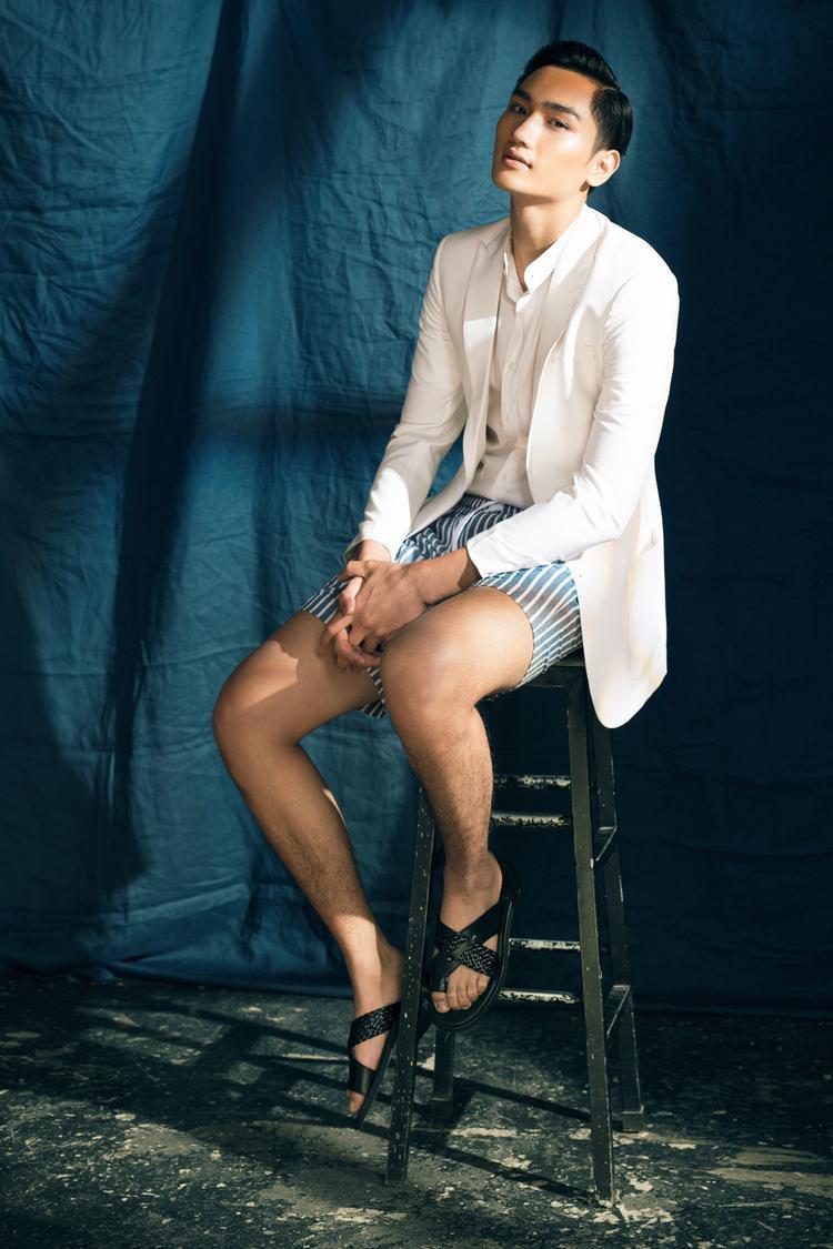 Kết hợp với anh trong bộ ảnh này là Huy Quang - gương mặt nổi bật bước ra từ chương trình Next Top Model.