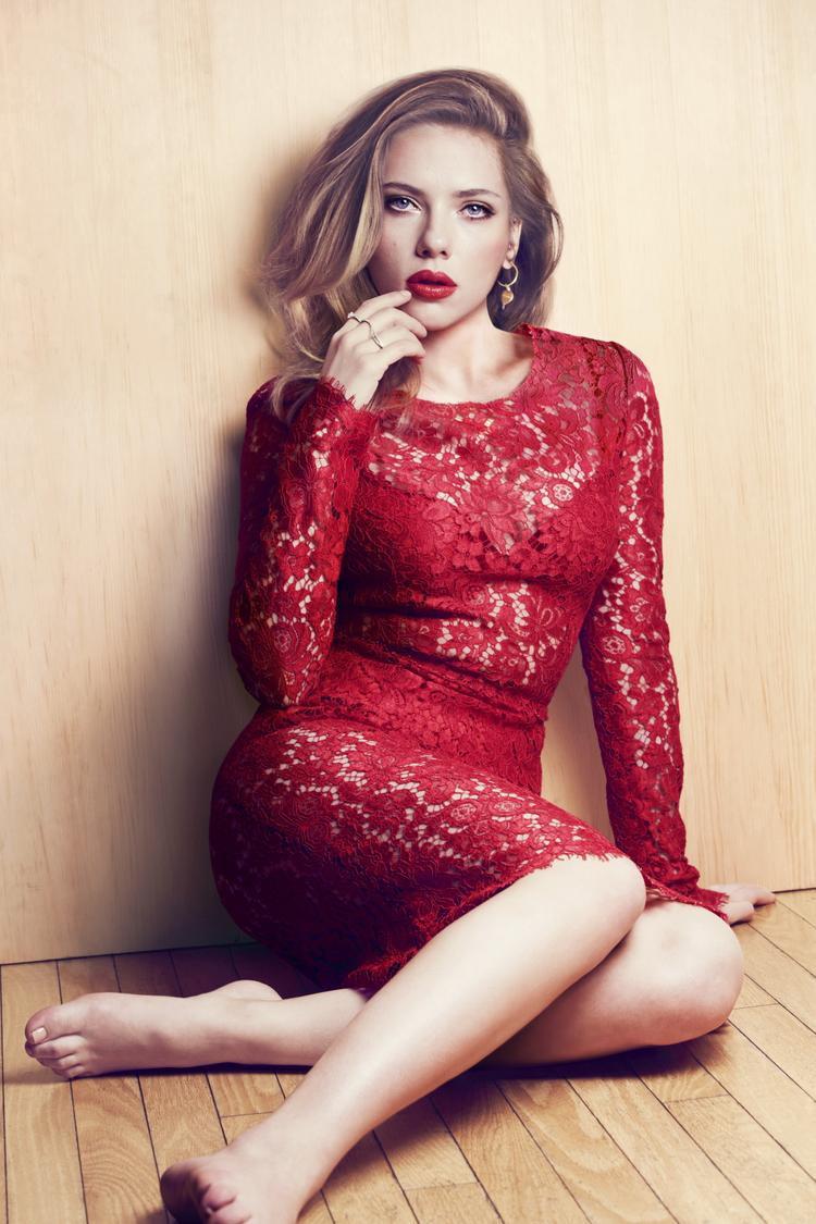 Đợi đã, chính Katy lại từng thổ lộ Scarlet mới là nguồn cảm hứng của I Kissed A Girl vào năm 2008.