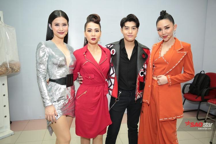 Cả 4 HLV đều đã sẵn sàng cho ngày ghi hình Chung kết 1 của The Voice 2017