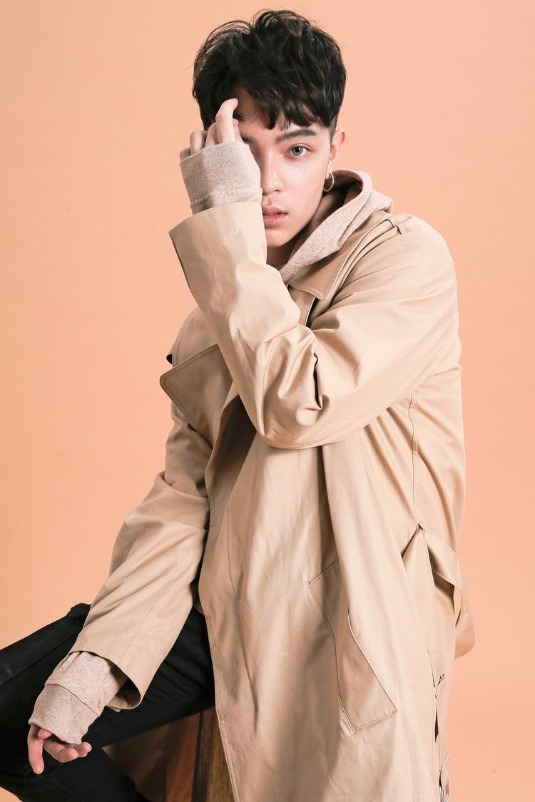 Với tư cách là người từng hợp tác với Gucci trong nhiều dự án, Kelbin Lei vinh dự được hãng thời trang cao cấp này mời tham gia sự kiện tại Đài Loan vào ngày 22/5.