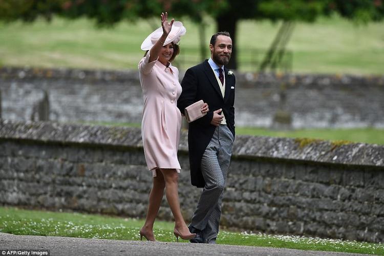 Anh trai của Pippa và công nương Kate, James Middleton và mẹ.