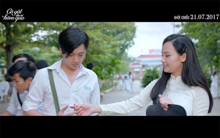 Nhà sản xuất Cô gái đến từ hôm qua tung MV đầy ý nghĩa, nghẹn ngào về tuổi học trò