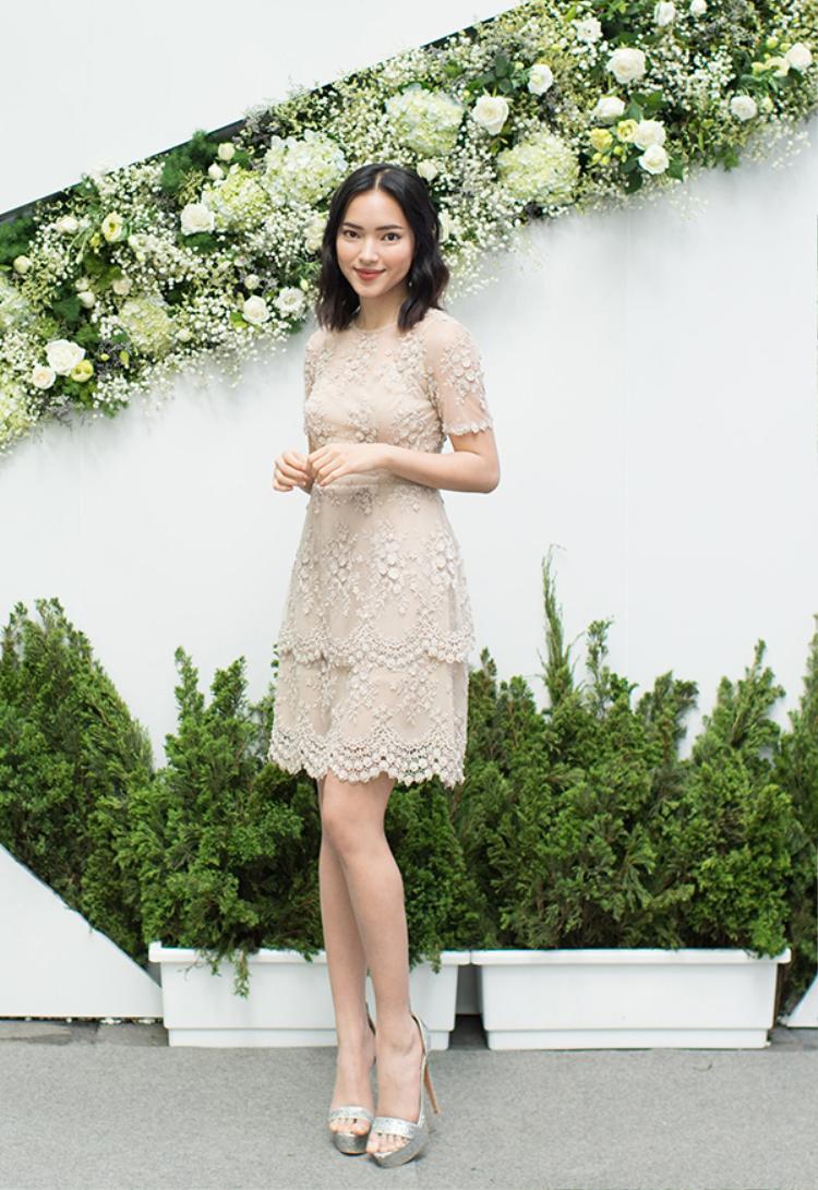 Còn Châu Bùi, sau khi tham gia phim Em chưa 18,cô ngày càng được nhiều khán giả yêu mến.