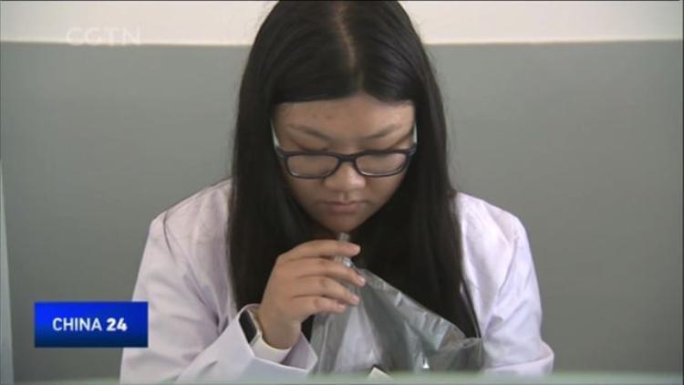 Gặp gỡ những người phụ nữ làm nhiệm vụ hít mùi ô nhiễm ở Trung Quốc