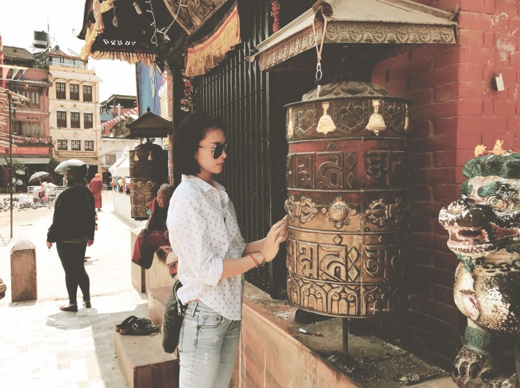 Tượng Phật vàng này để được trì chú trong một ngôi chùa ở Nepal và được đặt ở đó suốt nhiều năm qua. Thật may mắn khi Bức tượng Phật sẽ được Ngô Thanh Vân thỉnh về để tham gia vào quá trình đấu giá gây quỹ cho các em năm nay.