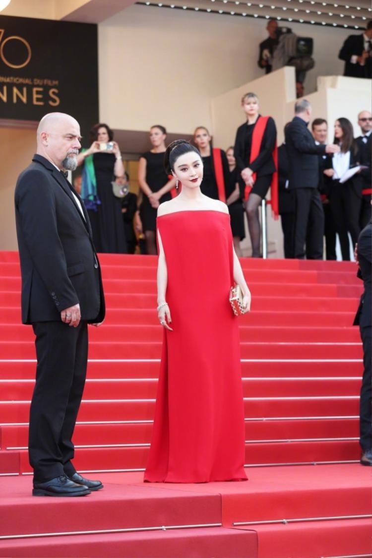Phạm Băng Băng, Lưu Văn đỏ rực ở LHP Cannes ngày thứ 8