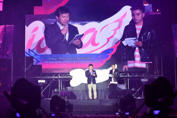 Ông Masanori Murakami, Phó Tổng giám đốc Điều hành công ty Diana Unicharm, đại diện nhãn hàng Diana phát biểu khai mạc chương trình.