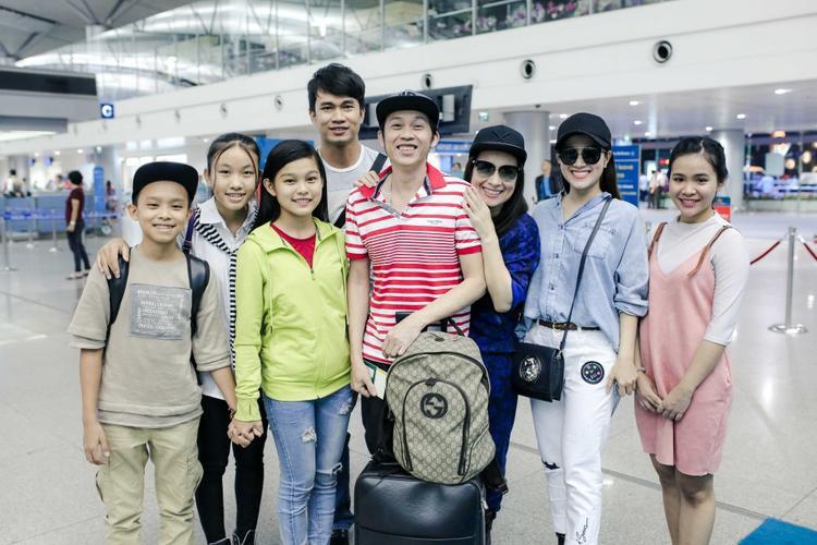 Chuyến lưu diễn lần này còn có sự tham gia của danh hài Hoài Linh và nữ ca sĩ Tố My.