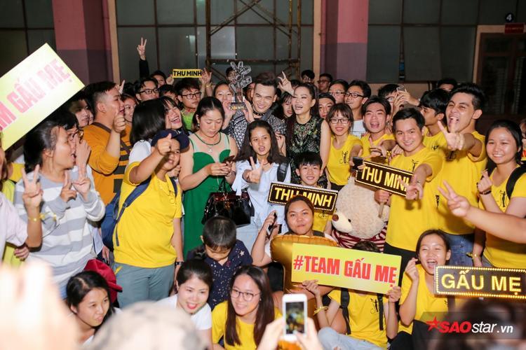 Có thể nói chính những khoảnh khắc tuyệt vời này của các fan đã giúp chiến thắng và niềm vui Ali Hoàng Dương và HLV Thu Minh thêm trọn vẹn hơn!