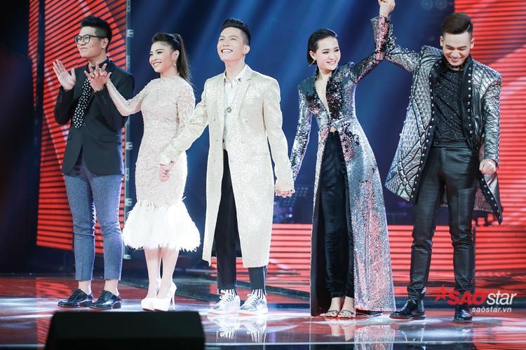 Khoảnh khắc Ali Hoàng Dương vừa được xướng tên Quán Quân.