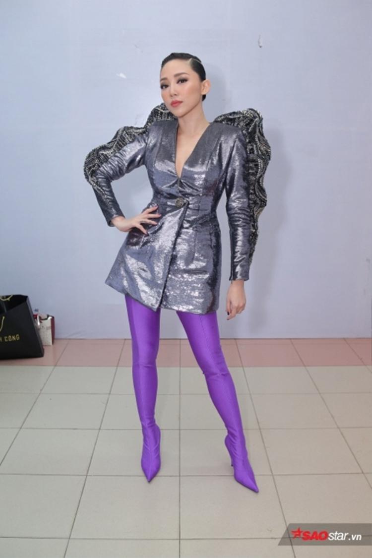 Đây cũng là kiểu tóc được cô sử dụng trong đêm chung kết của The Voice 2017.