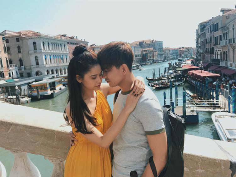 Đã tuyên bố chính thức ly hôn, Tim và Trương Quỳnh Anh vẫn thân thiết bên nhau
