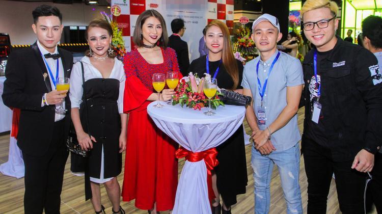 Đây là lần đầu tiên các thí sinh cùng nhau xuất hiện tại một sự kiện lớn sau khi cuộc thi Giọng hát Việt 2017 kết thúc.