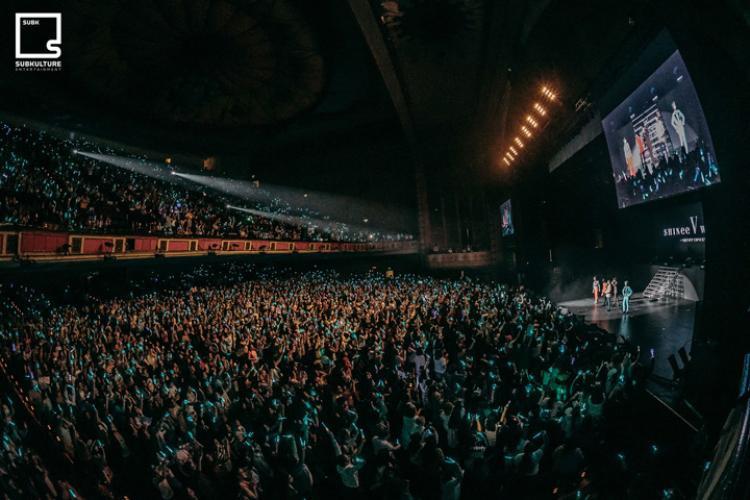 Mỗi đêm diễn đều có quy mô hơn 6000 người.
