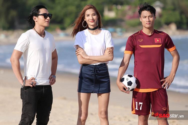 Nam danh thủ Mạc Hồng Quân xuất hiện tại The Face Việt Nam với vai trò giám khảo khách mời.
