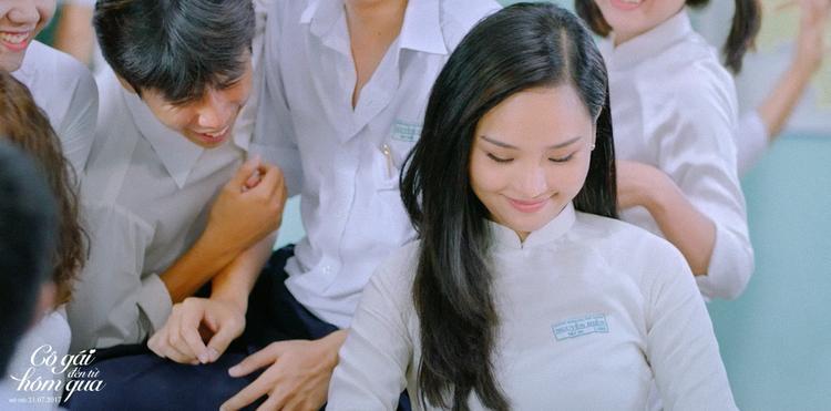 Nụ cười ngọt ngào của Việt An khiến anh chàng Thư thơ thẩn thêm phần ngẩn ngơ