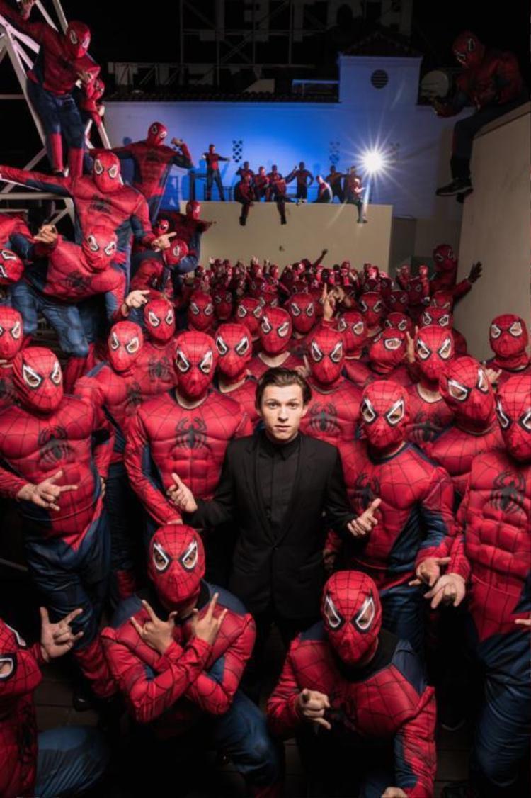 """Dẫu sở hữu siêu sức mạnh, Spider-man vẫn chỉ là cậu thiếu niên """"em chưa 16""""."""