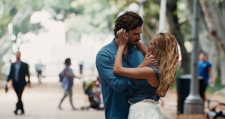 Chuyện tình yêu ngọt ngào nhưng trắc trở củaMichiel Huisman vàTeresa Palmer.