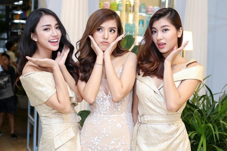 Dù vậy, mỗi cô gái vẫn thể hiện được cá tính và thần thái rất riêng, chứng minh sự đa dạng màu sắc của team Minh Tú.