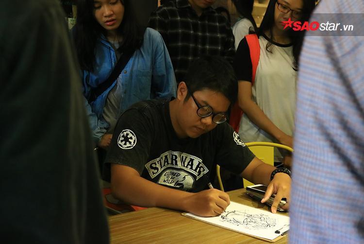 Một bạn trẻ đang say mê vẽ Sài Gòn của riêng mình