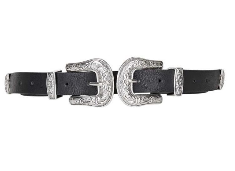 Cận cảnh chiếc thắt lưng Double Buckle Western Belt với giá bán tại trang web chính thức của Top Shop là 20 bảng khoảng hơn 500 ngàn đồng.