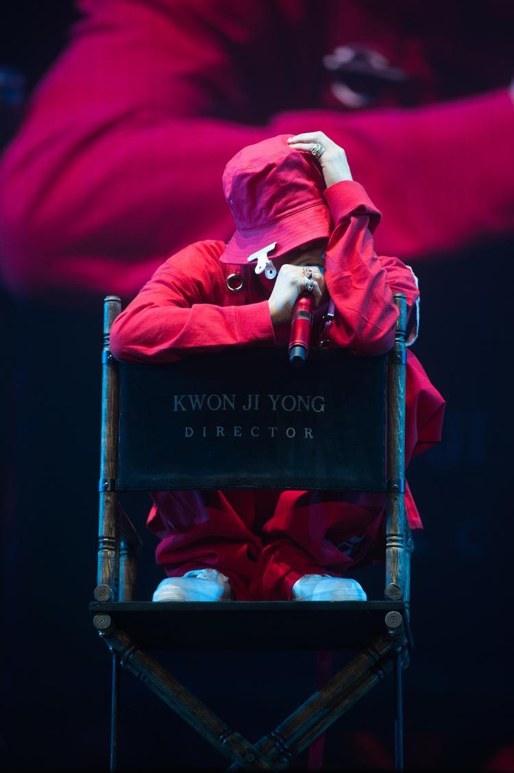 Clip: Fan hoàn toàn mãn nguyện sau đêm concert đầu của G-Dragon tại Bangkok