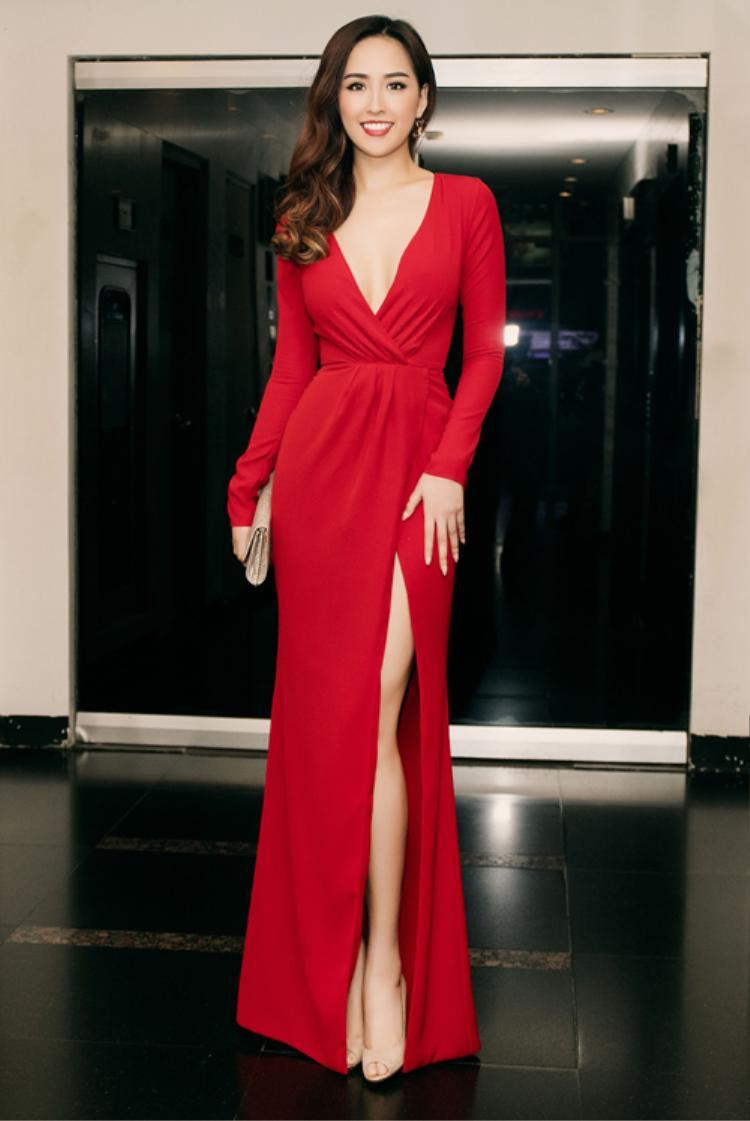 11 năm đăng quang, cũng có lúc Hoa hậu Mai Phương Thúy mất phong độ và béo lên trông thấy