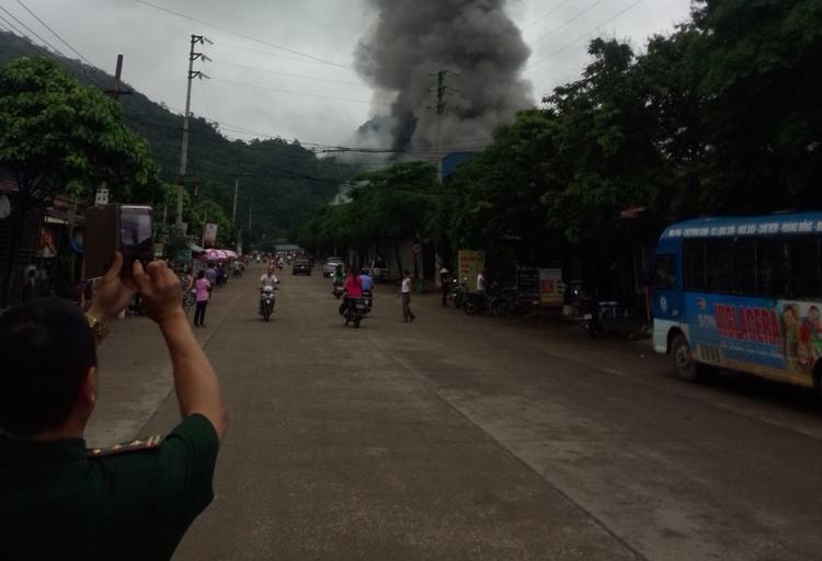 Cháy cực lớn tại chợ Tân Thanh  Lạng Sơn, huy động hơn 1.000 người cùng tham gia chữa cháy