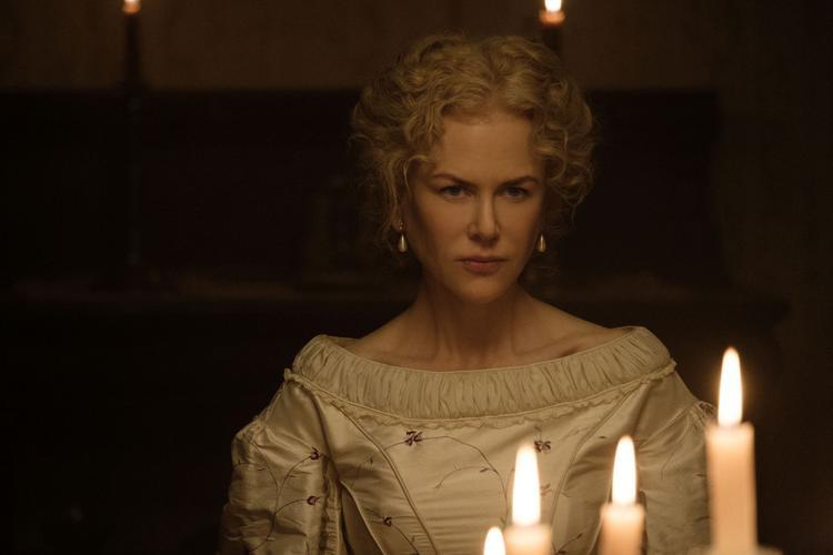 Nicole Kidman trong vai cô hiệu trưởng Martha