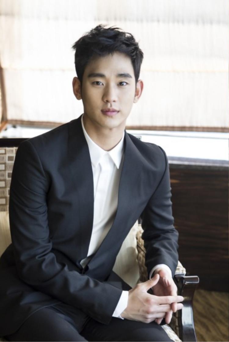 Kim Soo Hyun chuẩn bị thực hiện nghĩa vụ quân sự vào tháng 9?