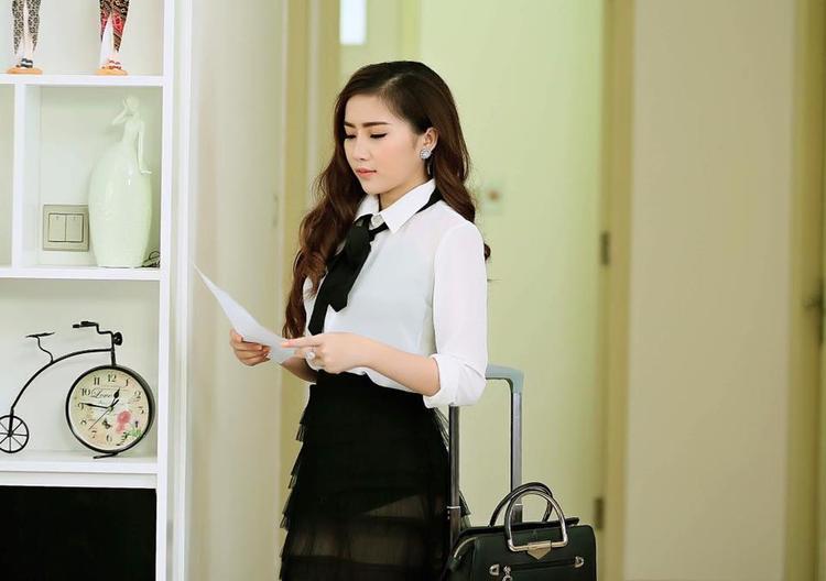 Nếu so với Thanh Thư, ở Lan Như vẻ đẹp nóng bỏng và quyến rũ hơn rất nhiều.
