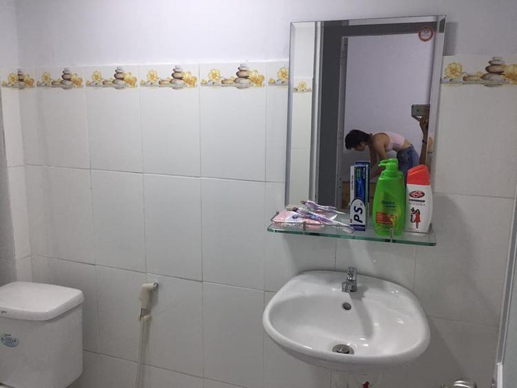 Vừa vào đến Sài Gòn, hot girl Bella đã bỏ đi vì chê nhà xấu