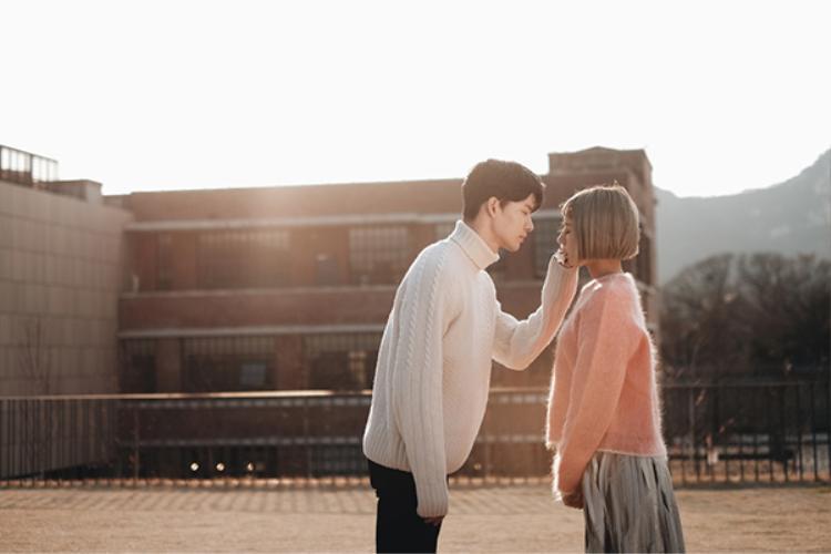Dù chỉ mới gặp nhaunhưng Park Chan Kyu đã nhanh chóng hòa nhập và có những cảnh quay thân mật, ngọt ngào với Min khiến nhiều người ghen tị.