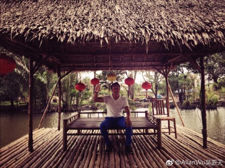 Trịnh Nguyên Sướng, Vương Lệ Khôn cùng dàn sao nổi tiếng xứ Trung đội nắng quay hình Amazing Race tại TP.HCM