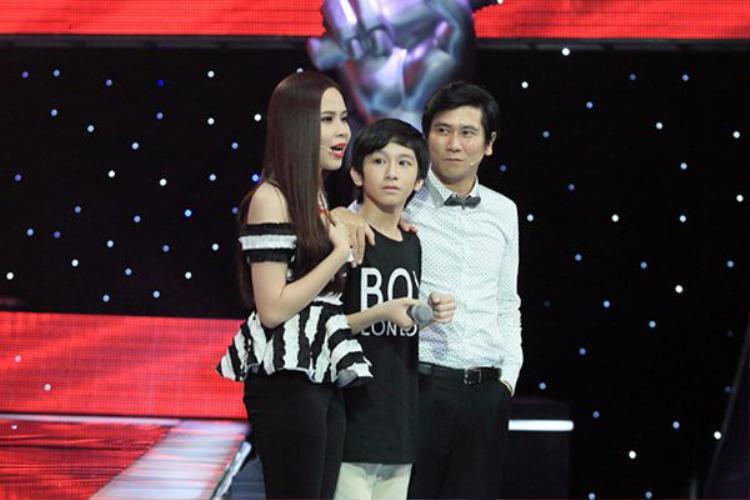Đỗ Hoàng Dương cách đây 4 năm khi đến với Giọng hát Việt nhí 2013.