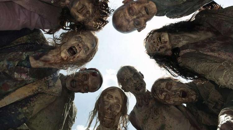 The Walking Dead là TV Series ăn khách của Mỹ, bắt đầu từ năm 2010, đến nay bộ phim đã bước sang phần thứ 8 với nhiều diễn viên mới tham gia, trong đó có JohnBernecker.