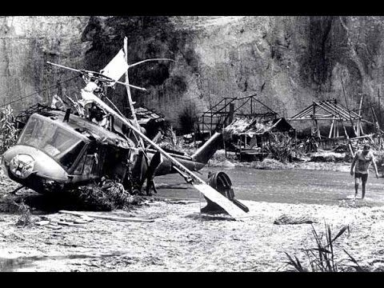 Hình ảnh chiếc máy bay trực thăng gây tai nạn kinh hoàng.