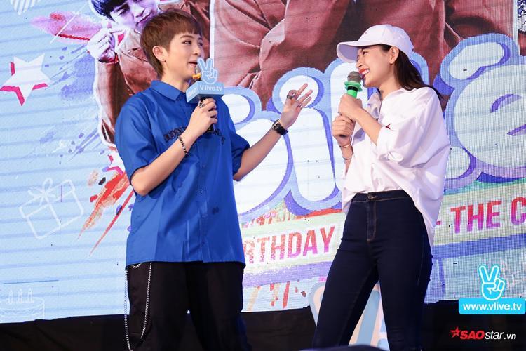 """Chi Pu tiết lộ đã cô đã tham dự 5 cái sinh nhật của Gil Lê. """"Nếu hôm nay bị hành hạ quá nhiều thì có lẽ đây sẽ là buổi sinh nhật của Gil Lê mà Chi Pu nhớ nhất"""", nữ diễn viên Yêu chia sẻ."""