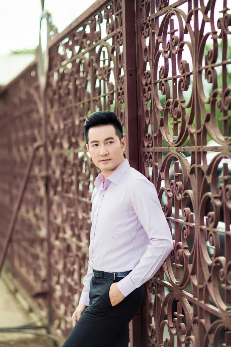 Album được hòa âm hiện đại với đàn dây, piano, saxophone nhưng vẫn giữ được tinh thần xưa cũ. Nguyễn Phi Hùng rất tâm đắc và tin rằng khán giả ở mọi lứa tuổi đều dễ dàng cảm nhận được những gì anh muốn truyền tải.
