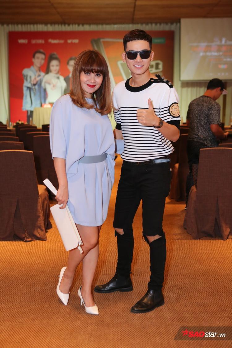 Anh chàng xuất hiện cùng Giám đốc âm nhạc Lưu Thiên Hương.