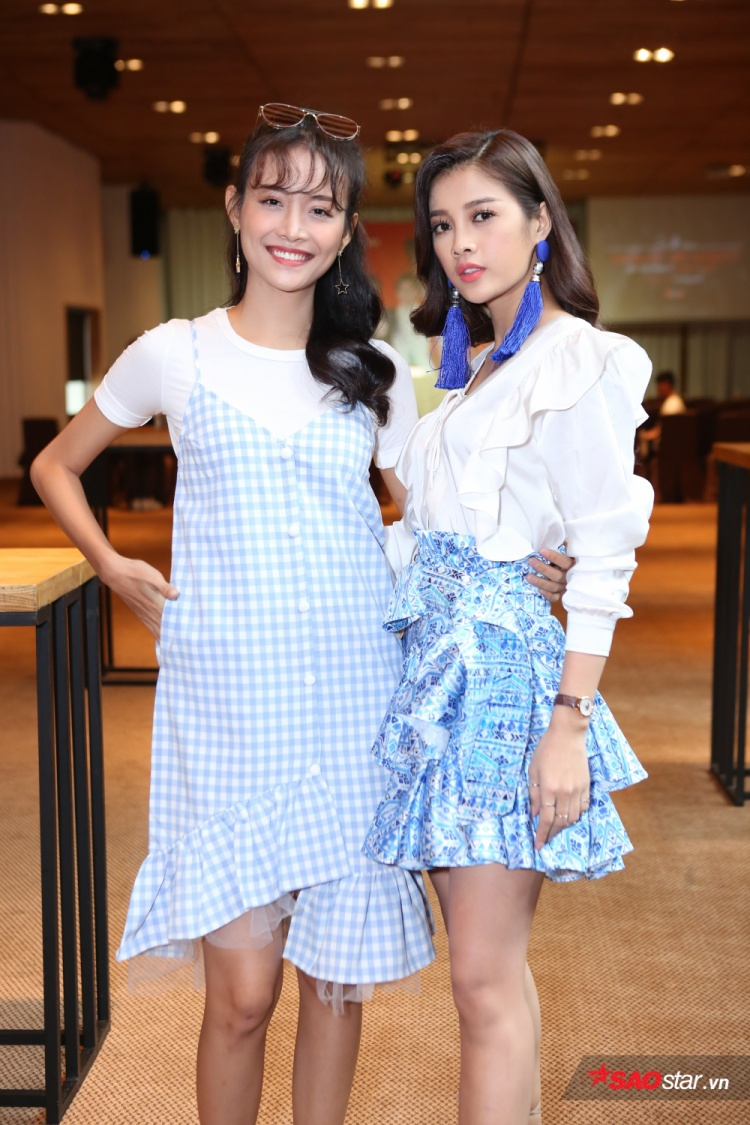 Hai nàng Nhân - Duyên xuất hiện với phong cách thời trang đối lập.