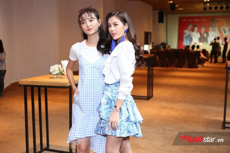 Cặp đôi Nhân  Duyên, Ali Hoàng Dương bất ngờ xuất hiện tại buổi họp báo Giọng hát Việt nhí 2017