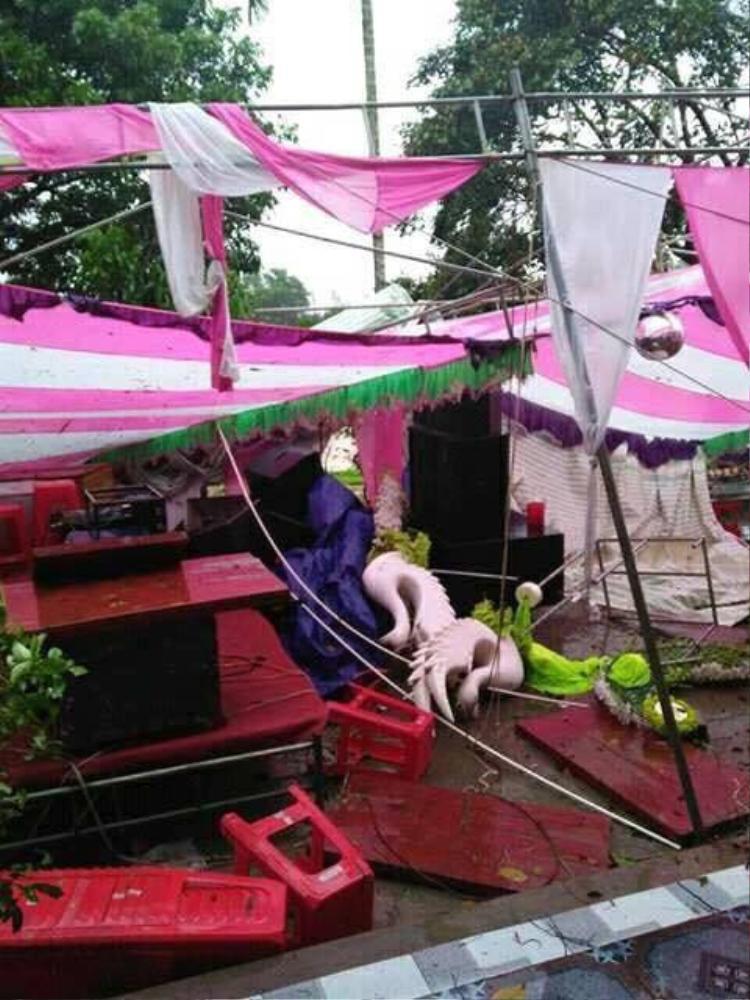 Nhưng cơn bão đã khiến ngày vui không được trọn vẹn.