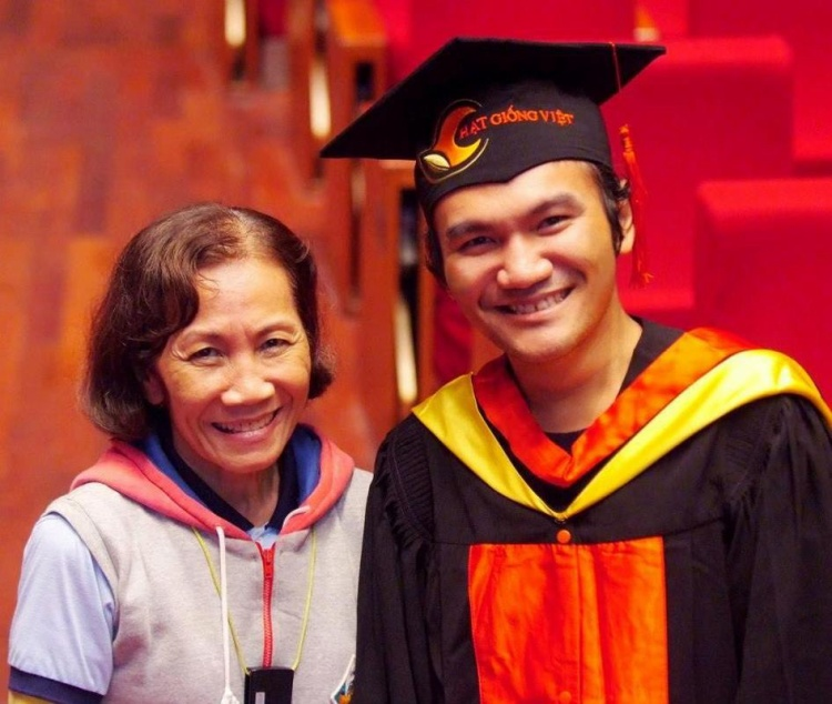 Với cô Thảo, cậu con trai khiếm khuyết của mình là một gia tài lớn.