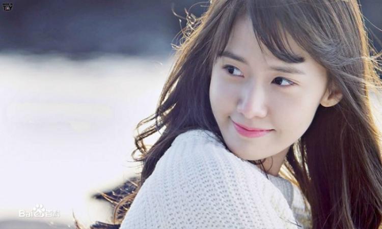 """Yoona - bóng hồng xinh đẹp nhà SM từng gắn liền với danh hiệu """"bình hoa di động""""."""