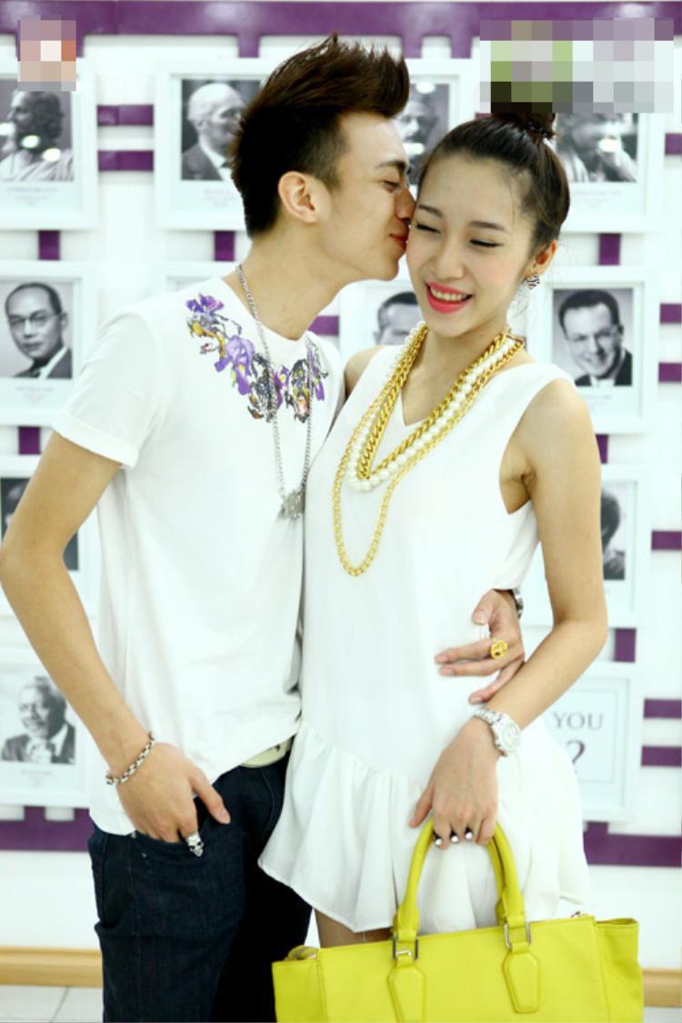 Chuyện tình chị em gây xôn xao của Soobin Hoàng Sơn và Emily.