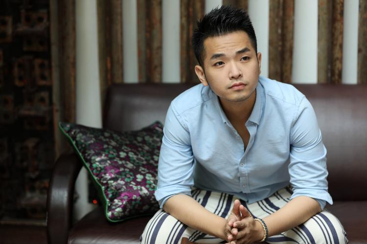 Cùng xem một số hình ảnh mới nhất từ Phạm Hồng Phước trích từ sản phẩm âm nhạc của anh.