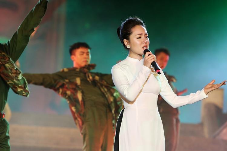 Hà Anh Tuấn, Đông Nhi cất tiếng hát thăng hoa cảm xúc trong Câu chuyện hòa bình