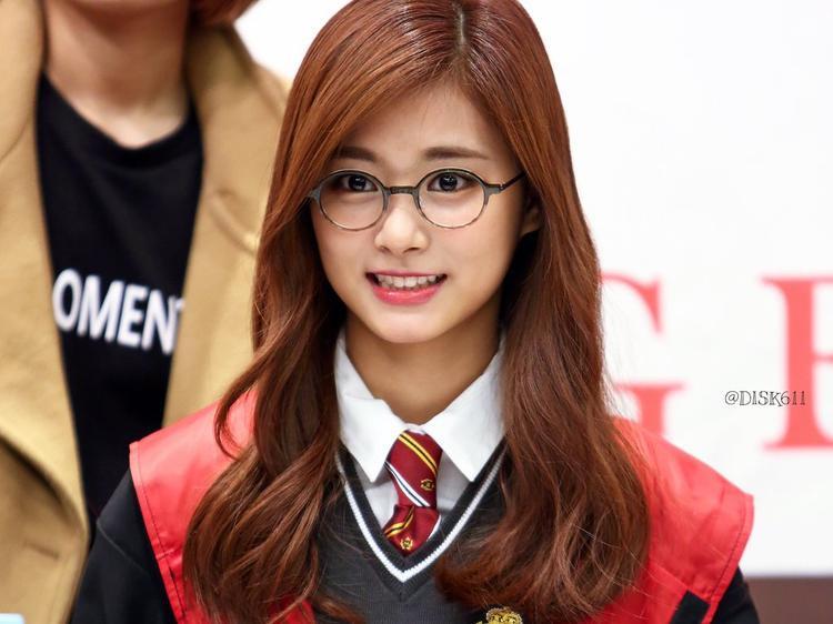 Tzuyu (Twice): Từ scandal chính trị đến nhân vật chính trong đề cương học tập của sinh viên